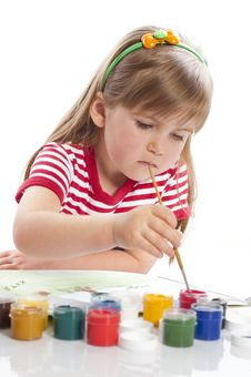 Free Little Girl Is Drawing Royalty Free Stock Photos - 18962718