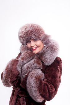 Free Woman Smile In Fur Coat Royalty Free Stock Photo - 18962975