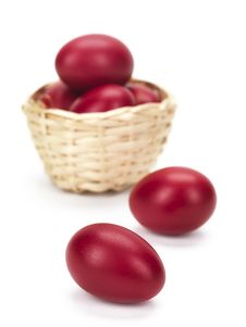 Free A Wicked Basket And Two Red Eggs On White Stock Images - 18963054