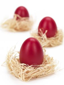 Free Red Eggs In Nests Royalty Free Stock Image - 18963226