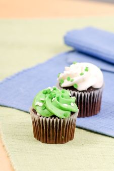 Free Green Frosted Cupcake Snack Royalty Free Stock Images - 18969529