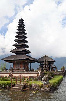 Free Ulun Danu Temple Stock Photography - 18970392