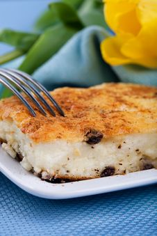 Free Baked Cheesecake With Raisins Stock Photography - 18970572