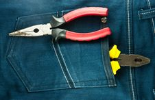 Free Blue Jeans And Tools In Pocket Royalty Free Stock Photography - 18971457