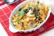 Free Vegetarian Pasta Dish Stock Images - 18972854