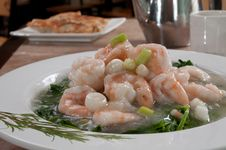 Free Boiled Shrimp And Snow Peas Stock Images - 18973614