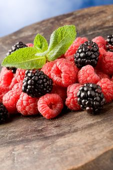 Free Berries On Wooden Table Royalty Free Stock Images - 18974969