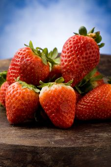 Free Strawberries On Wooden Table Royalty Free Stock Photo - 18975205