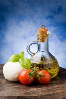 Free Tomato Mozzarella Royalty Free Stock Image - 18975576