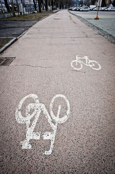 Free Painted Cycle Lane Stock Image - 18975781