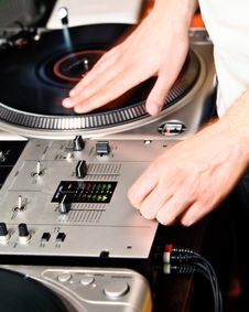 Free DJ S Hand Royalty Free Stock Photos - 18976008