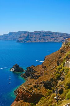 Free Harbor In Santorini With Yachts Stock Photo - 18984130