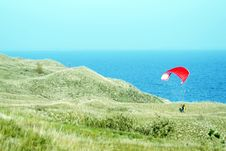 Free Red Paragliding Royalty Free Stock Photo - 18984725