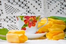 Free Morning Cup Of Tea With Yellow Tulips Royalty Free Stock Photos - 18989338