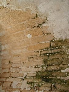 Free Old Curved Brick Wall Royalty Free Stock Images - 192529