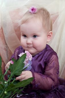 Free Smiling Little Girl Royalty Free Stock Photos - 1909748