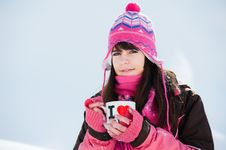 Free Winter Girl With The Cup Of Tea Stock Photography - 19008522