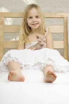 Joyful Little Girl With Kitten Stock Images