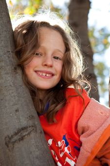 Free Young Girl In Tree Stock Image - 19011351
