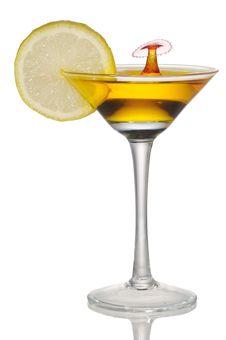 Free Lemon Juice Trickle Goblet Royalty Free Stock Photo - 19013885