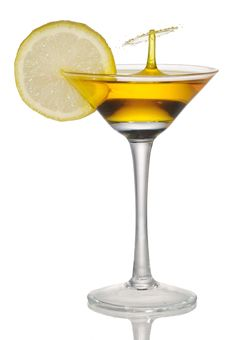 Free Lemon Juice Trickle Goblet Royalty Free Stock Image - 19013926