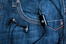 Free Pocket With Earphones Stock Photography - 19014462