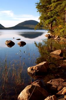 Free Jordan Pond Royalty Free Stock Image - 19014486