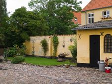 Free Traditional Danish Country Home With Flowers Stock Image - 19019501
