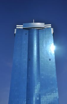 Free Tall Office Building Against Blue Sky Royalty Free Stock Photography - 19027767