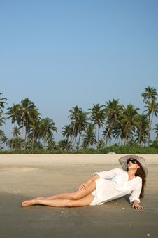 Free Woman On The Beach Stock Photography - 19030362