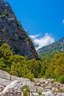 Free Wild Mountain Canyon Royalty Free Stock Images - 19034429