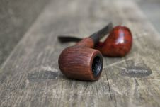 Free Tobacco Pipes Royalty Free Stock Photos - 19041638