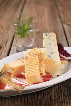 Free Cheese Appetizer Royalty Free Stock Photo - 19049705