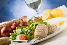 Free Grilled Tuna Steak With Salad Stock Image - 19051721