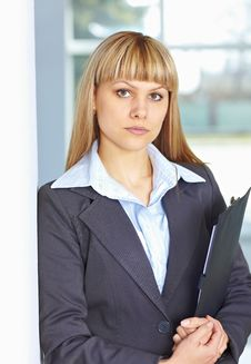 Free Young Business Woman With Papers Royalty Free Stock Photos - 19056518