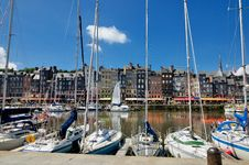 Free Honfleur Inner Harbor Royalty Free Stock Photography - 19058997