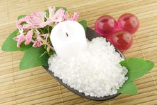 Free Aromatic Bath Salt Stock Image - 19060991