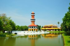 Free Tower In Bang Pa In Palace Royalty Free Stock Photography - 19071197