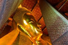 Free The Golden Sleeping Buddha Statue Royalty Free Stock Photos - 19071498