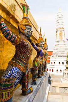 Free Guardian Statue At Wat Phra Kaew Royalty Free Stock Image - 19071546