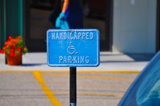Free Handicapped Parking Sign Royalty Free Stock Image - 19074996