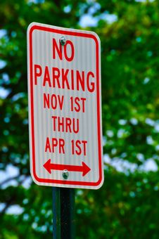 No Parking November 1st Thru April 1st