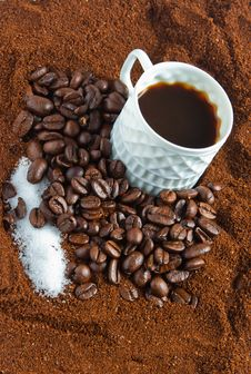 Free Coffee, Sugar And Coffee Beans Royalty Free Stock Photo - 19075655
