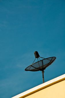 Free Satellite Dish On Roof Stock Photography - 19077922