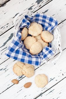 Free Biscuits In The Basket Royalty Free Stock Image - 19078196