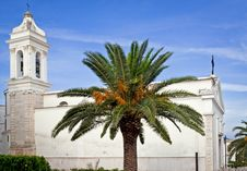 Free Palm Front Of The Church Royalty Free Stock Images - 19080879