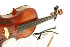 Free Violin On Note With Glasses And Pencil Stock Photo - 19081540