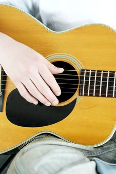 Free Fingers Strum Acoustic Guitar Stock Photo - 19086460