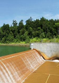 Free Dam On Raw Water Reservoir Stock Photos - 19092233