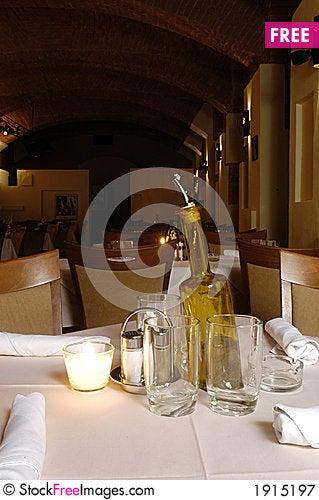 Free Restaurant Interior Royalty Free Stock Photography - 1915197